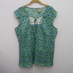 Art And Soul Blue Green Floral Crochet Neck Top